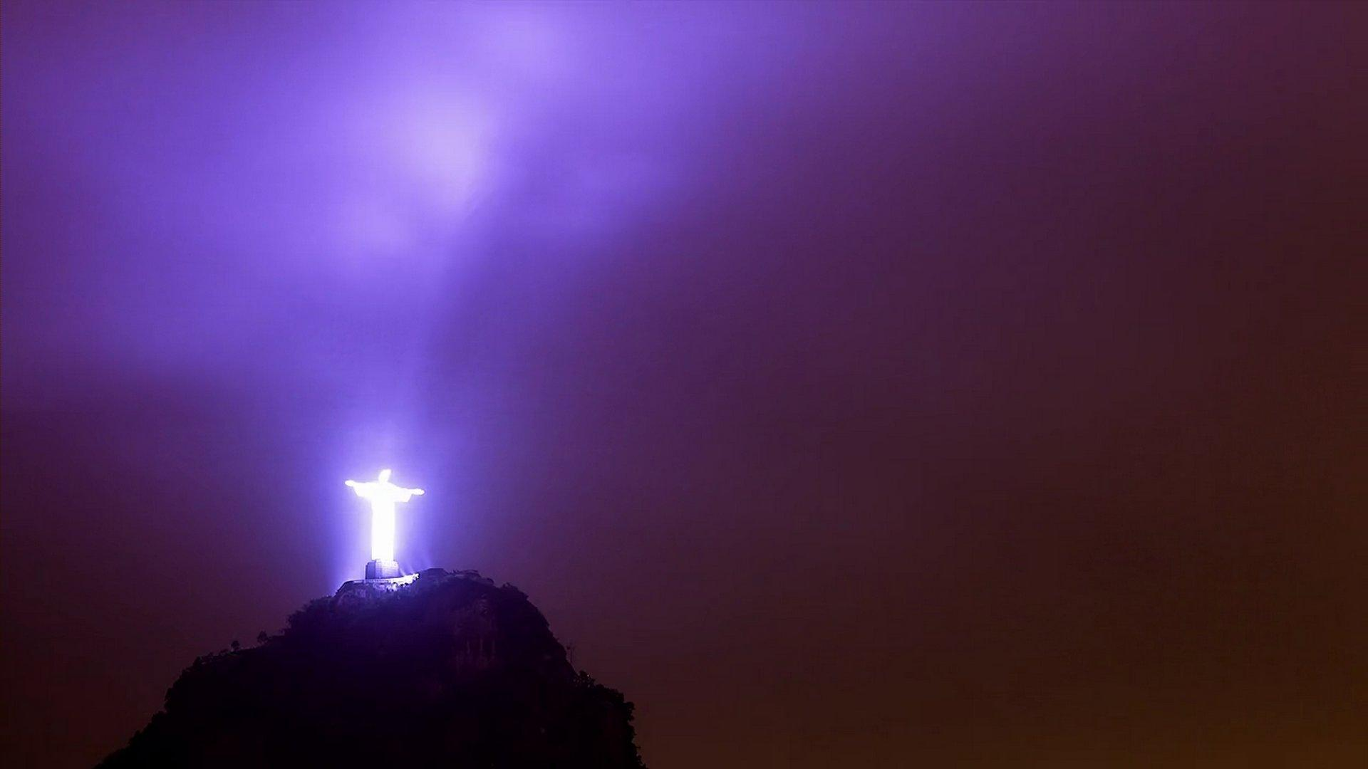 Lit-up Christ statue in Rio, Brazil